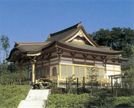 虎さんの故郷、柴又帝釈天別院の明観寺が管理している格式ある霊園です。