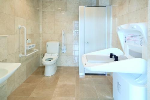トイレももちろんバリアフリー設計。