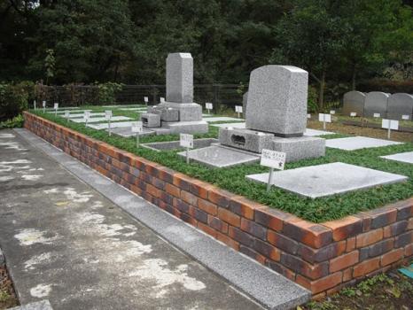 風格ある寺院墓地のたたずまいが人気です。