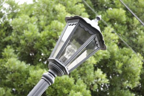 街灯があるので、夕暮れ時にも安心です。