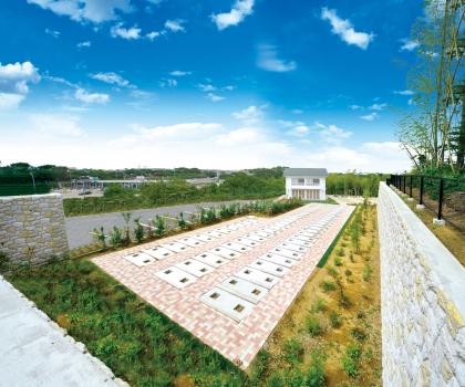 人気の横浜市に花と緑に満ちた霊園の登場です