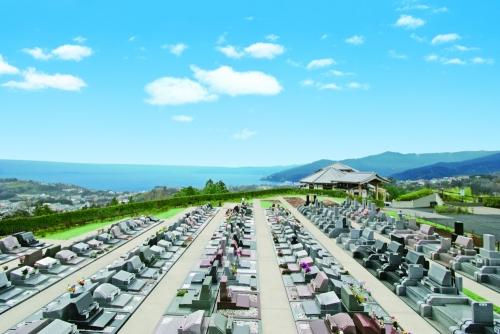 相模湾を一望できる公園墓地です。