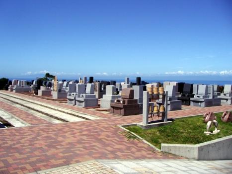 ベイサイド三浦浄苑は他には無い「絶景、景観地霊園」です。