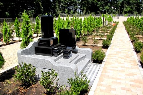 グリーン区画 見本墓石。