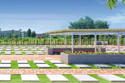 すべての区画が美しい緑の芝生に彩られています