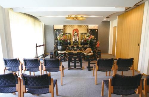 法要室や会食室もある複合施設です。