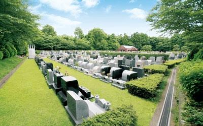 野田さくら霊園は緑と四季折々の花に囲まれた高級公園墓地です。