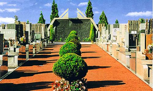さくらメモリアルパークは水と緑と花に囲まれた高級公園墓地です。