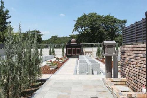 交通至便な都市型公園墓地。