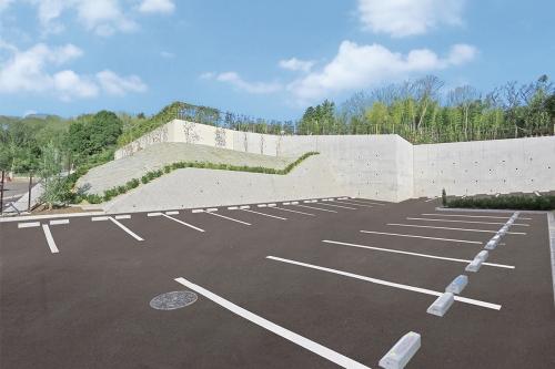 大型の駐車場は全て平置きですので安心です。