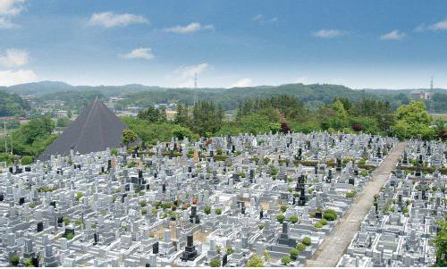 武蔵メモリアルパークは総面積75,000㎡の大型公園墓地