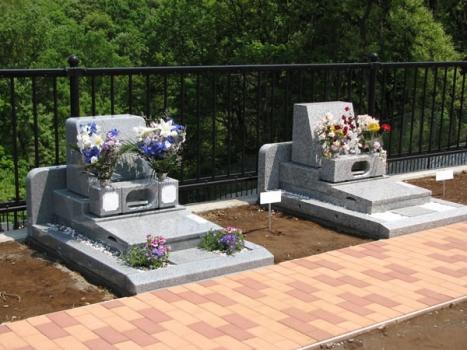 旭翠苑の花区画。