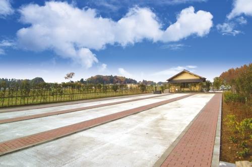 船橋やすらぎの杜は駅から歩いて行ける交通至便な霊園です。