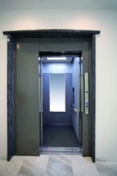 エレベーターもありますので車椅子の方でも安心です。