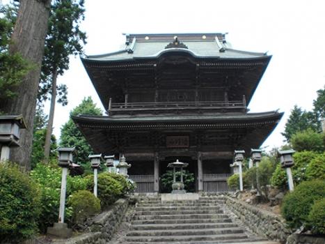 『勝楽寺(天文13年=1544年開山)』内の高台に墓域はございます。