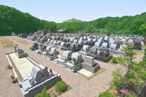 バリアフリーの墓域。