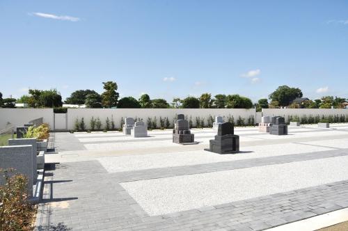 墓域はバリアフリーの安全設計です。