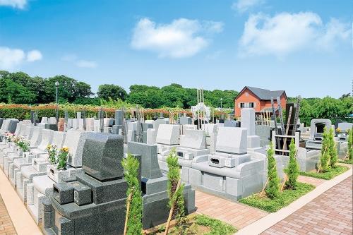 お墓とお墓の間に余裕がある「ゆとり墓所」やスペースに植栽ができる「花壇付き墓地」などスタイルが選べます。