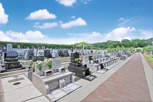 和型墓石、洋型墓石、デザイン墓石と思い思いのお墓を。