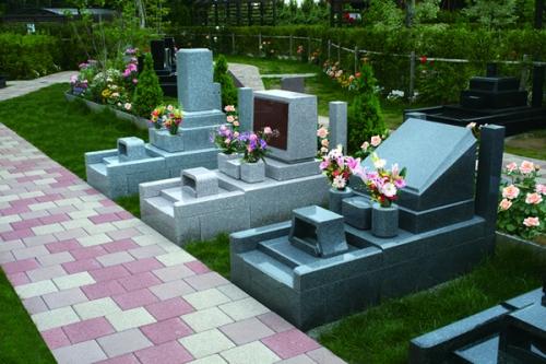 様々なタイプの墓所をご用意しております。