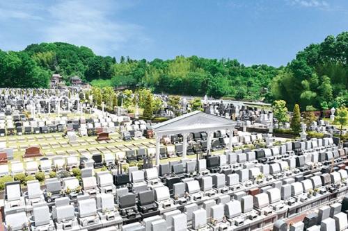 どの区画もペットと一緒に埋葬が可能です。