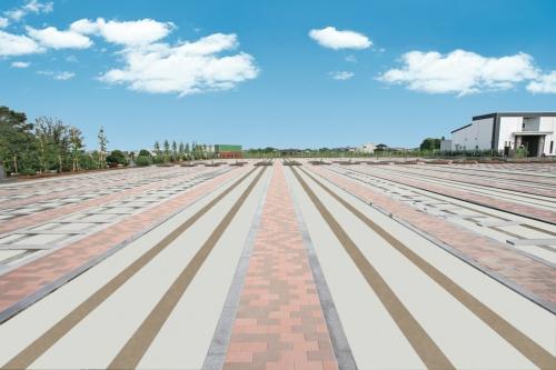 歩道は幅広く、安心のバリアフリー設計