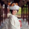 職人が一針一針、優雅な花車文や桜、流水を花嫁様の幸せと願い縫い上げた、手刺繍の大変贅沢な逸品です。