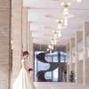 建築家「村野藤吾」氏設計の西館玄関に位置し、大理石を使った広々としたエントランスホールとらせん階段が優雅な雰囲気をたたえています。
