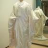 和装のもつ伝統美。長い歴史に培われ、洗練を極めた白無垢。鶴が羽ばたき、優しい螺鈿箔の輝きが加わった、豪華な花嫁衣裳です。